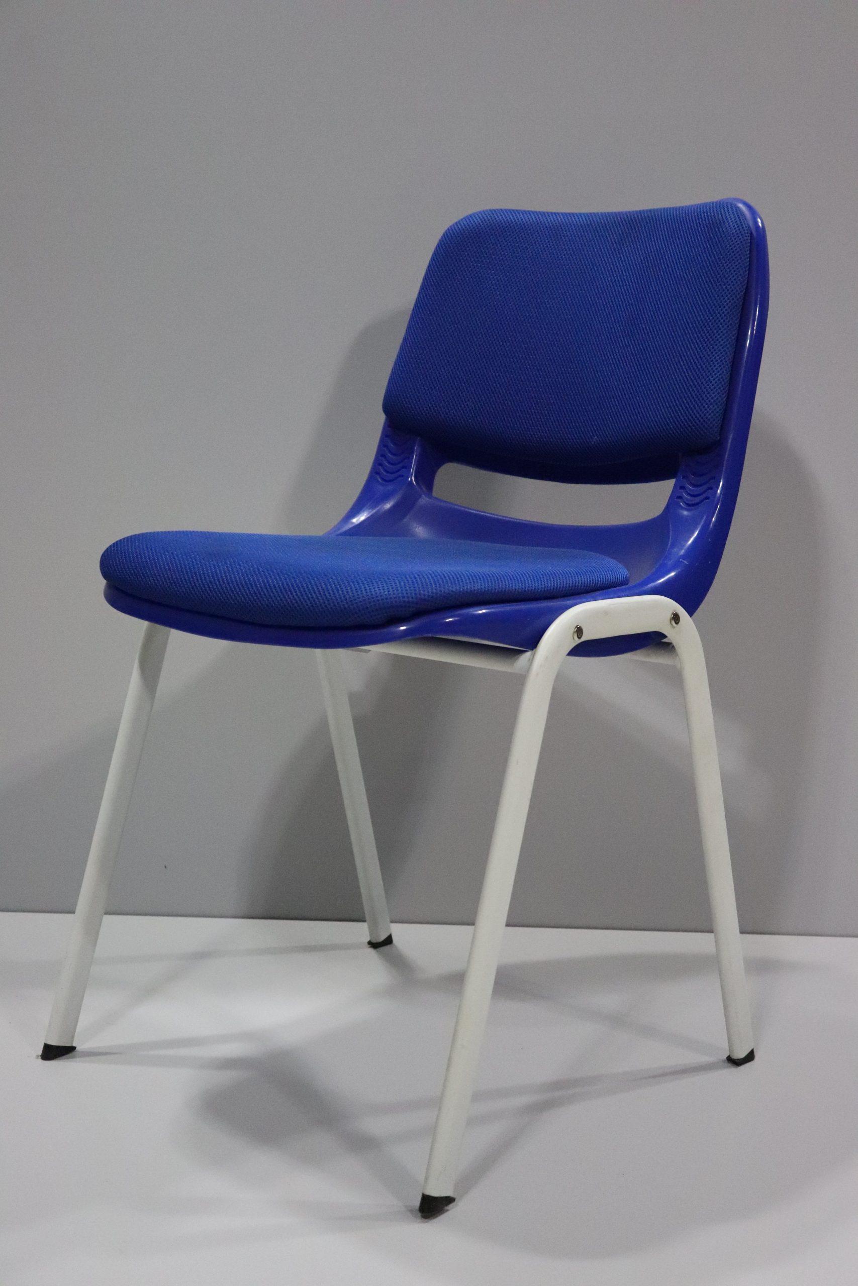 silla-de-oficina-azul